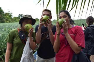 students-with-fruit-costa-rica