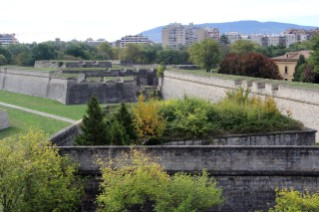 pamplona-walls