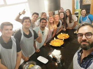 group-food-class-spain